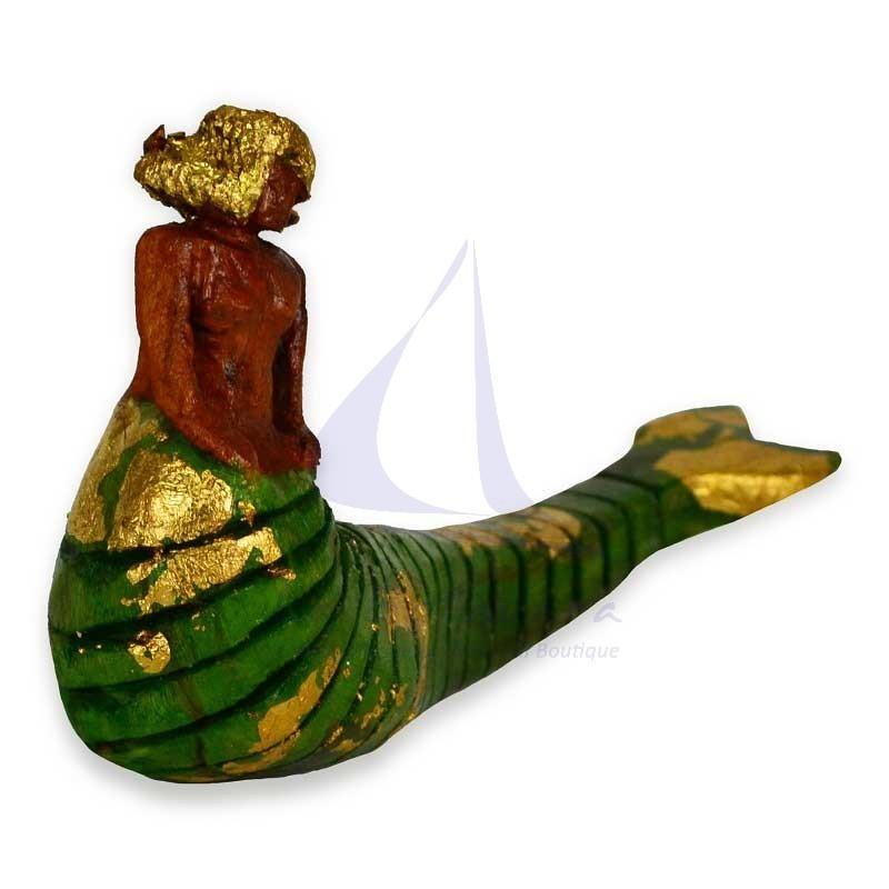 Sirena verde de madera hecha a mano