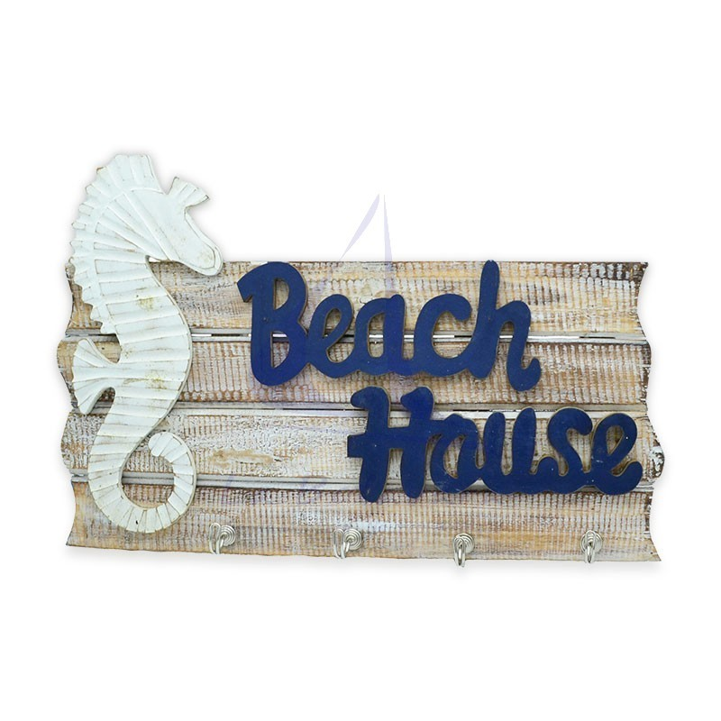 Beach House wall hanger of natural wood.