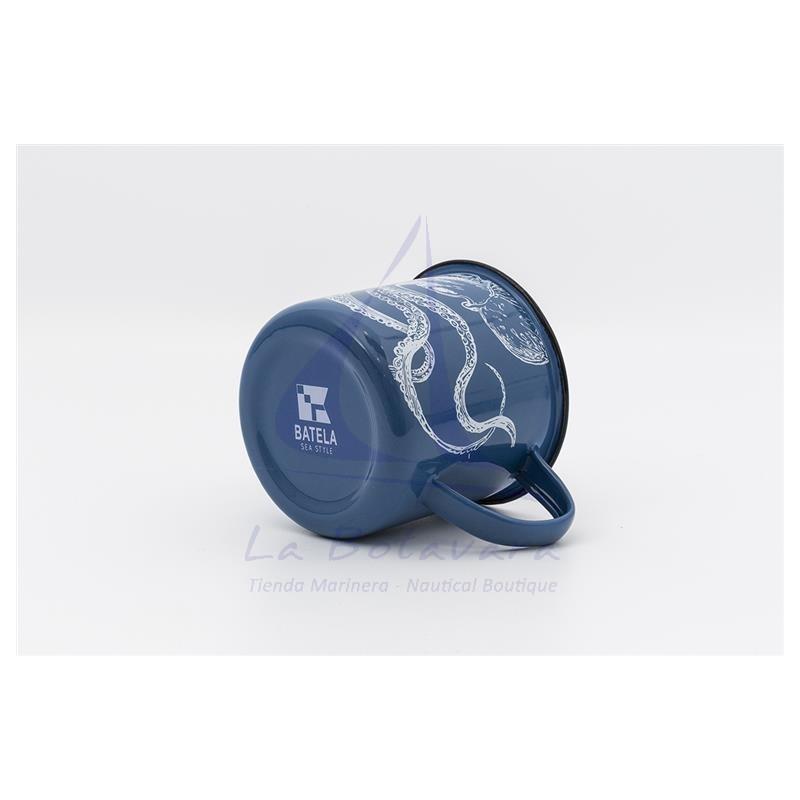 Taza de metal azul con pulpo blanco 3