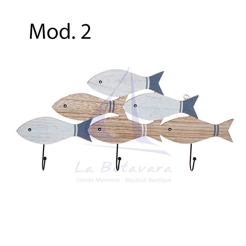 Perchero con peces de madera 2