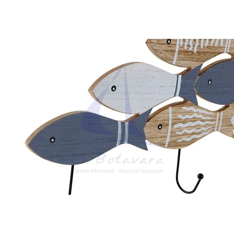 Perchero con peces de madera 3